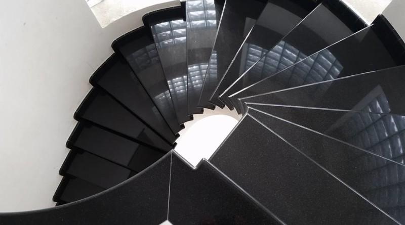 Scale a spirale archivi marmoexpert la grande rete dei - Granito per scale ...