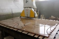 Taglio pavimento ad archi