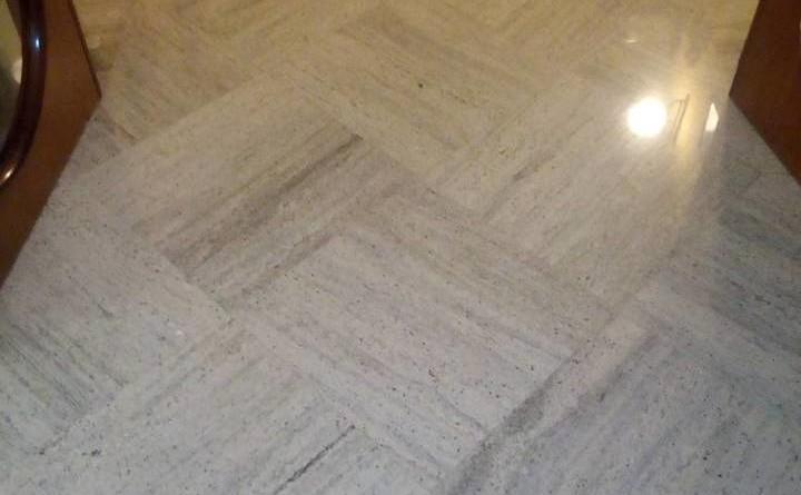 pavimento in granito lucido dopo 22 anni di utilizzo